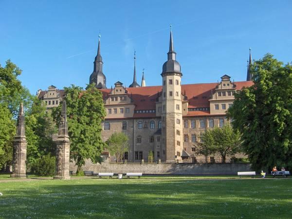 Schloss_Park.jpg