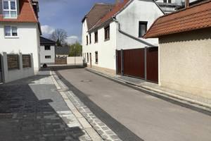 Auf dem Bild sehen Sie die erneuerten Gehwege in der Krautstraße.
