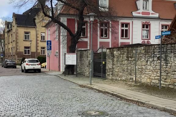 Auf dem Bild sehen Sie die Straße Oberaltenburg.